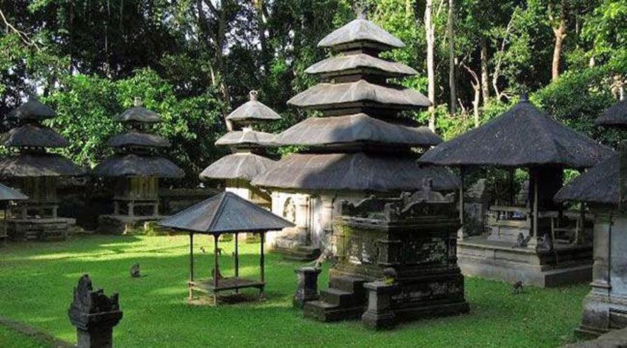 Alas Kedaton Monkey Forest, Visit Monkey Forest in Tabanan Regency