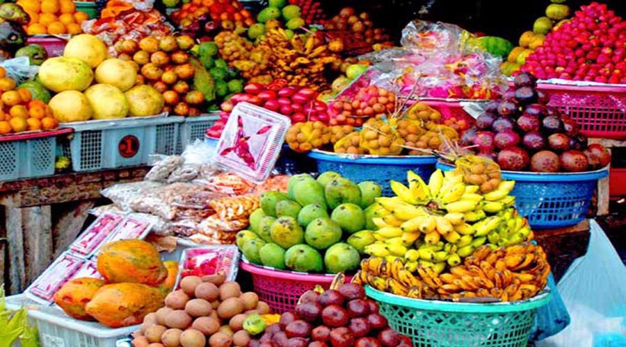 Candi Kuning Fruit Market A Traditional Fruits And Vegetables
