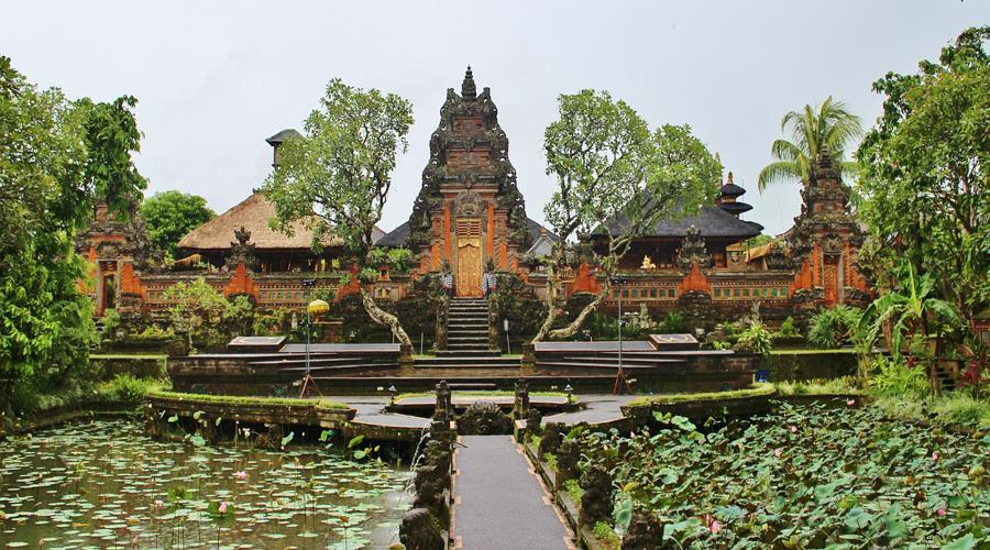 Enjoy Our Special Tour Packages to Ubud Royal Palace