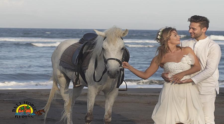 Enjoy Our Special Offer For Romantic or Fashion Photo Shoot Experience at Bali Horse Riding by True Bali Experience